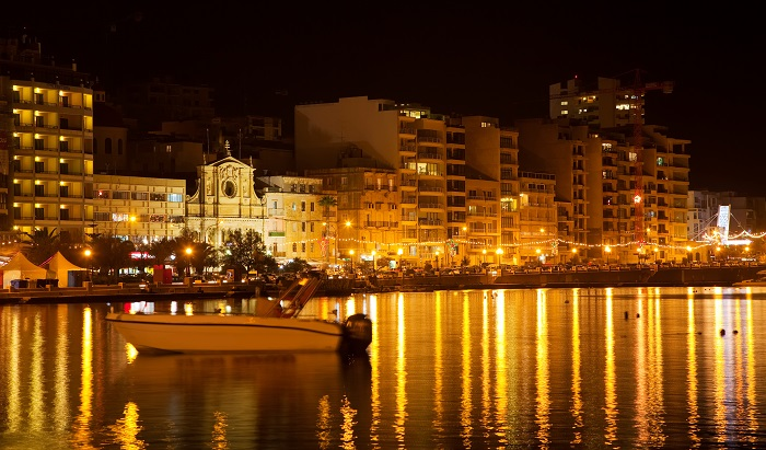 Tas-Sliema at night